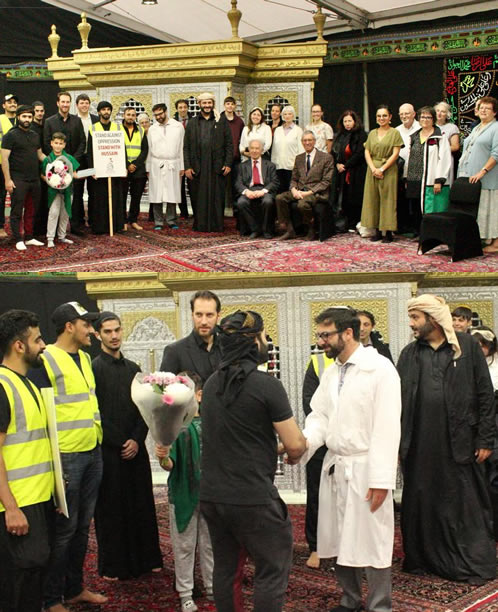 Synagogue members visit Muslim community that suffered hate attack on Yom Kippur
